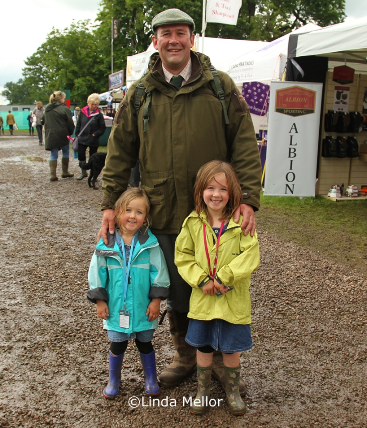 mike and girls, Scottish game fair 2012